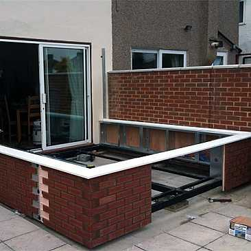 Edwardian Steel base and dwarf wall system